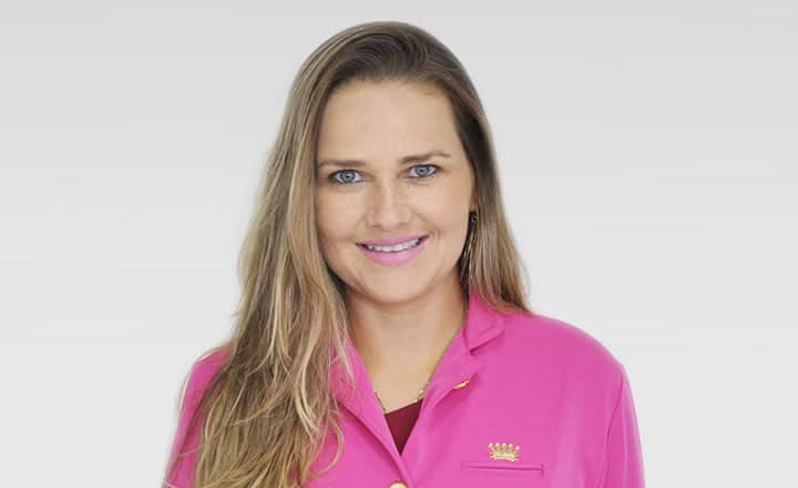 Dra. Renata Ávila